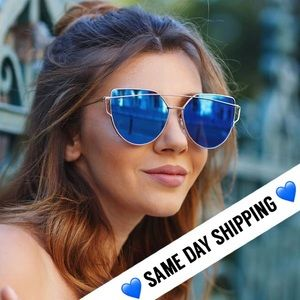 Accessories - 💙SHIPS NOW💙 Blue & Gold Cat Eye Aviators